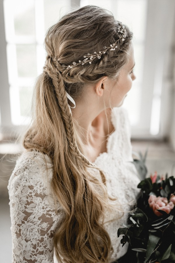 Brautstyling, Weddingstyling, Weddingstyling Germany, Hochzeitsmakeup, Brautmakeup, Hairstyling, Make Up Artist Wuppertal, Make Up Artist Düsseldorf, Make Up Artist Germany, Make Up Artist Köln, Wedding, Hochzeit, Brides, Bridal, Vanlight, Victoriarüsche, Vintage Wedding